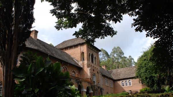 An English mansion in the Zambian bush